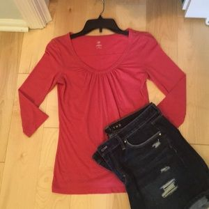 Pink Caslon 3/4 sleeve T-Shirt
